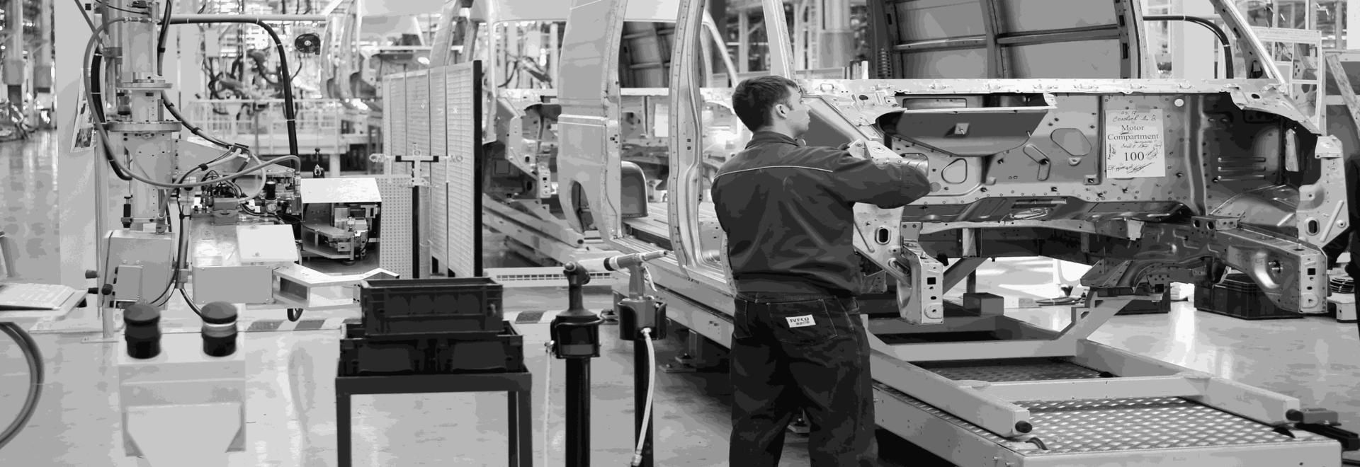 MOOnTAG di EDITAG permette il monitoraggio e l'ottimizzazione dei processi di preparazione degli ordini e dei flussi logistici utilizzando sensori RFID e sensori IoT