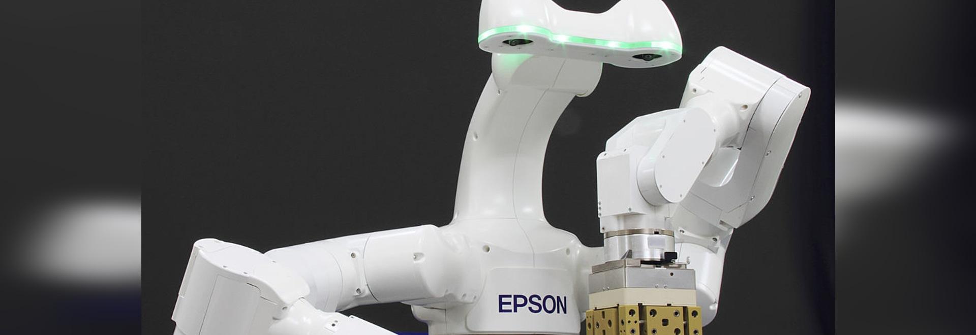 Il nuovo robot doppio intelligente del braccio da epson