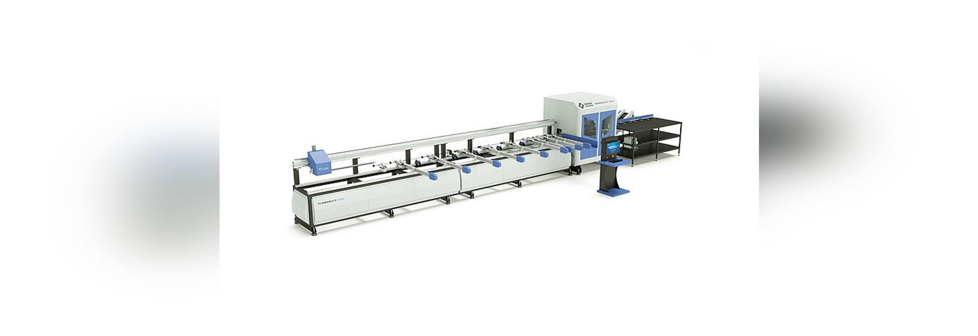 Profilo del PVC di TURBOCUT 500 che lavora e che taglia centro alla macchina