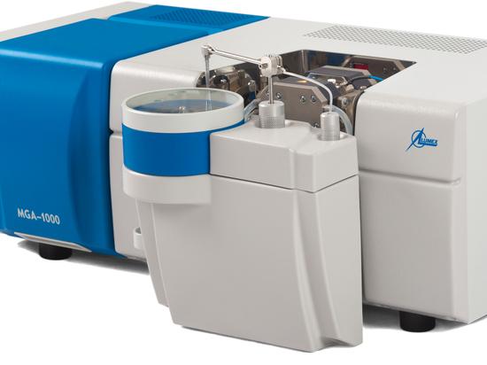 Spettrometro ad assorbimento atomico con forno a grafite di Lumex Instruments può determinare sia gli oligoelementi che i principali componenti nei campioni d'acqua