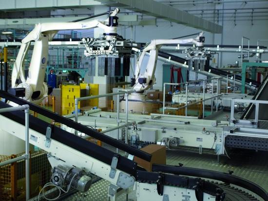 La tecnologia Comau è affidabile e in grado di soddisfare, con la ripetibilità congenita nella tecnologia robotizzata, la richiesta di precisione e di standard elevati, ovvero quanto è necessario p...