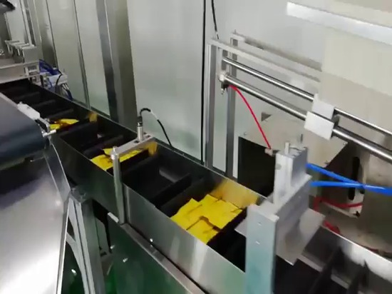 macchina artoning fornita di robot di delta